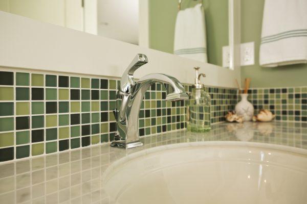 limpiar-azulejos-bano